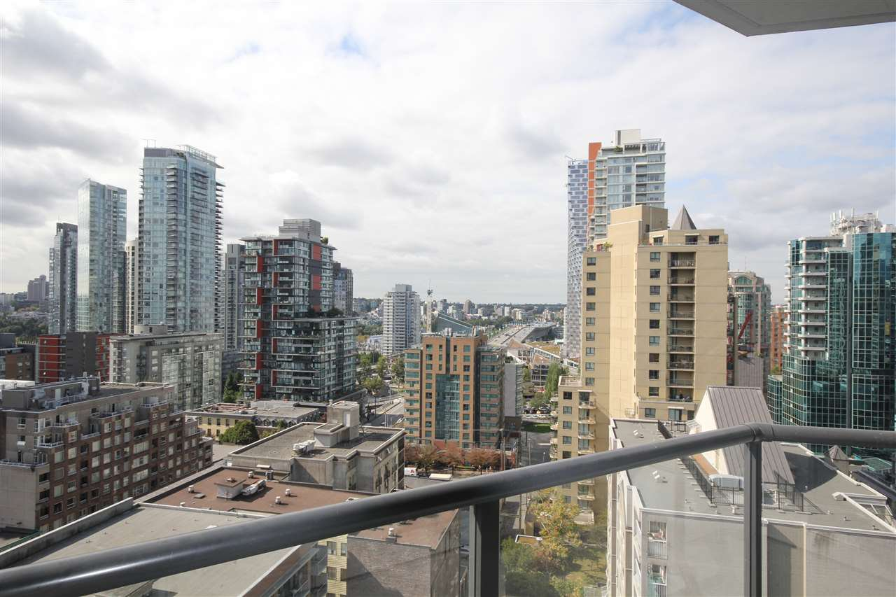 Main Photo: 1608 1212 HOWE STREET in Vancouver: Downtown VW Condo for sale (Vancouver West)  : MLS®# R2410666