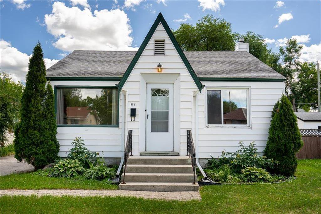 Main Photo: 92 Imperial Avenue in Winnipeg: St Vital Residential for sale (2D)  : MLS®# 202016762