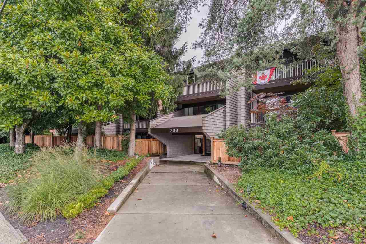 "Main Photo: 102 708 EIGHTH Avenue in New Westminster: Uptown NW Condo for sale in ""VILLA FRANCISCAN"" : MLS®# R2490435"