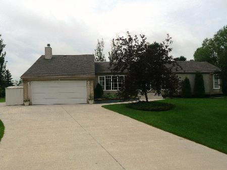 Main Photo: 70 Karens Crescent: Residential for sale (Oak Bluff)  : MLS®# 1012239
