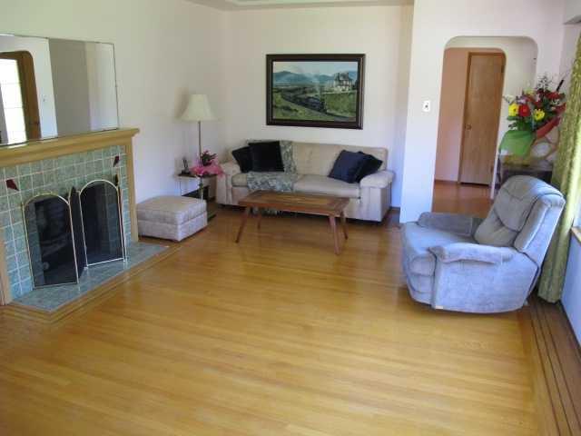 Photo 2: Photos: 436 BLAIR Avenue in New Westminster: Sapperton House  : MLS®# V1093597