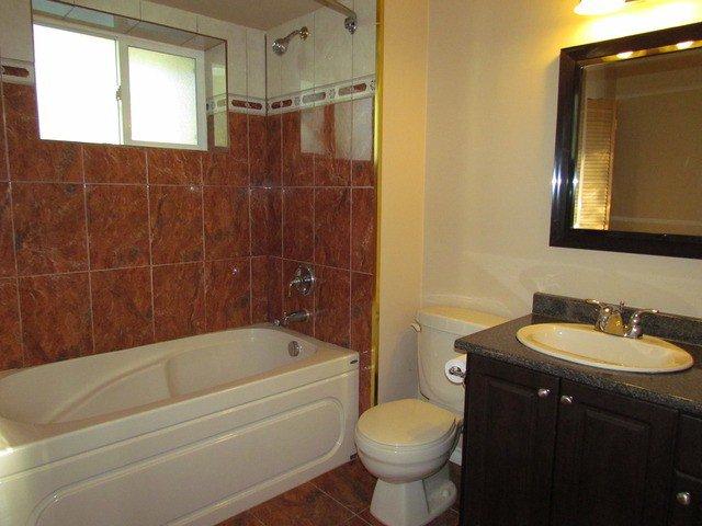 Photo 11: Photos: 34865 LABURNUM Avenue in Abbotsford: Abbotsford East House for sale : MLS®# F1427819