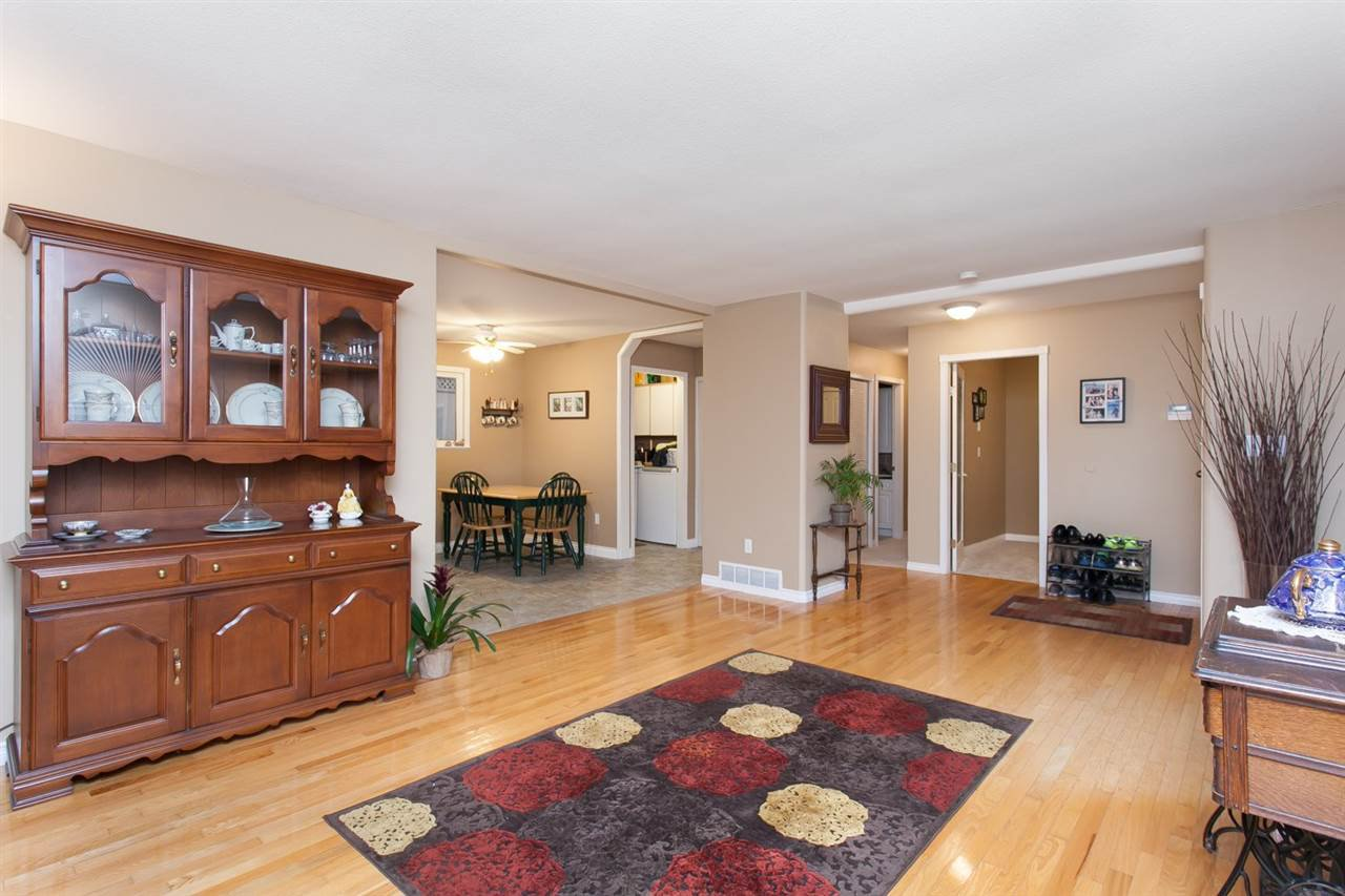 """Photo 8: Photos: 3632 203 Street in Langley: Brookswood Langley House for sale in """"BROOKSWOOD"""" : MLS®# R2042256"""
