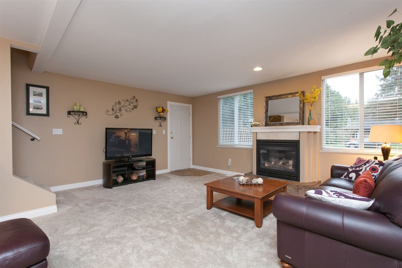 """Photo 11: Photos: 3632 203 Street in Langley: Brookswood Langley House for sale in """"BROOKSWOOD"""" : MLS®# R2042256"""
