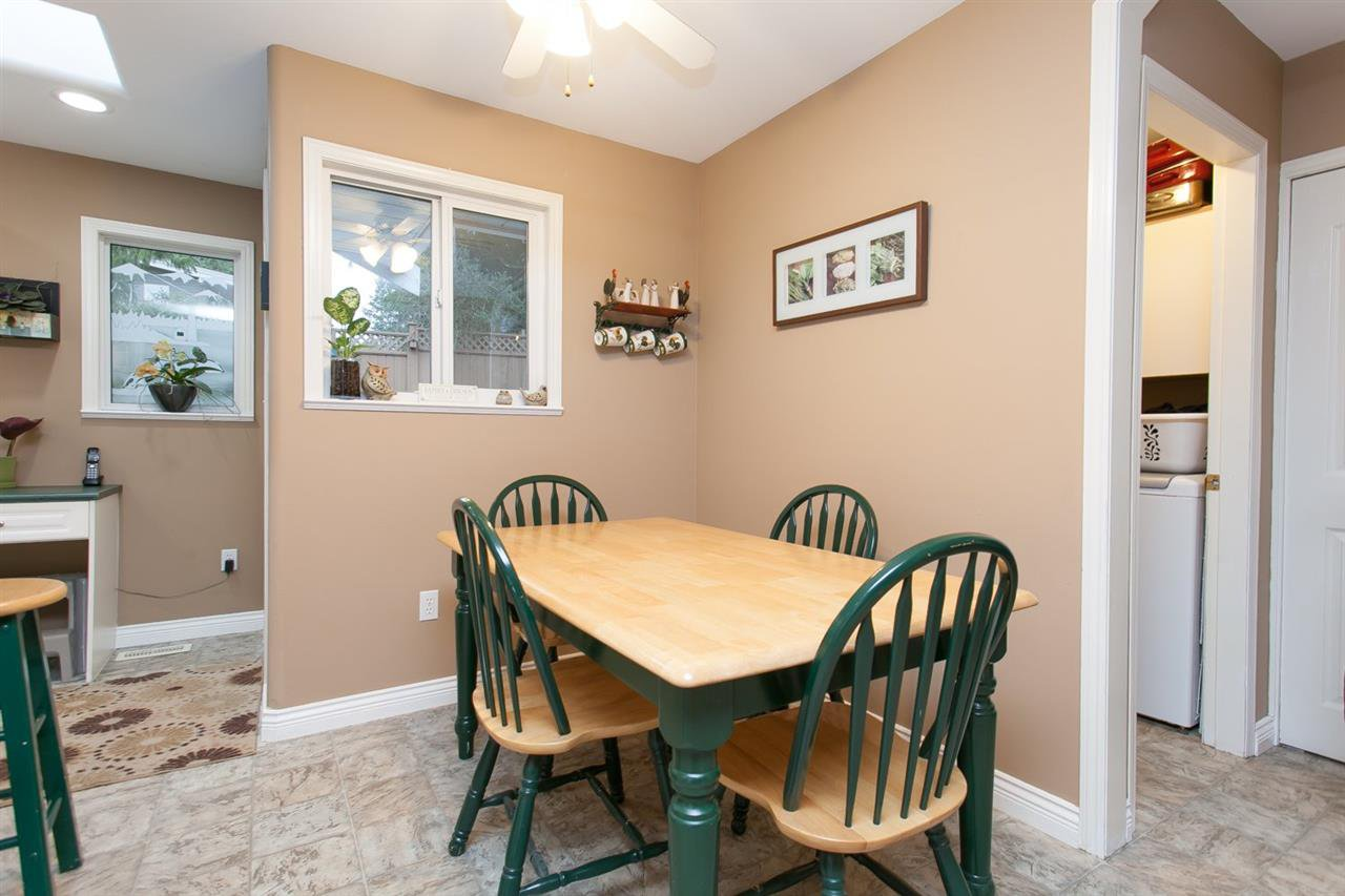 """Photo 9: Photos: 3632 203 Street in Langley: Brookswood Langley House for sale in """"BROOKSWOOD"""" : MLS®# R2042256"""