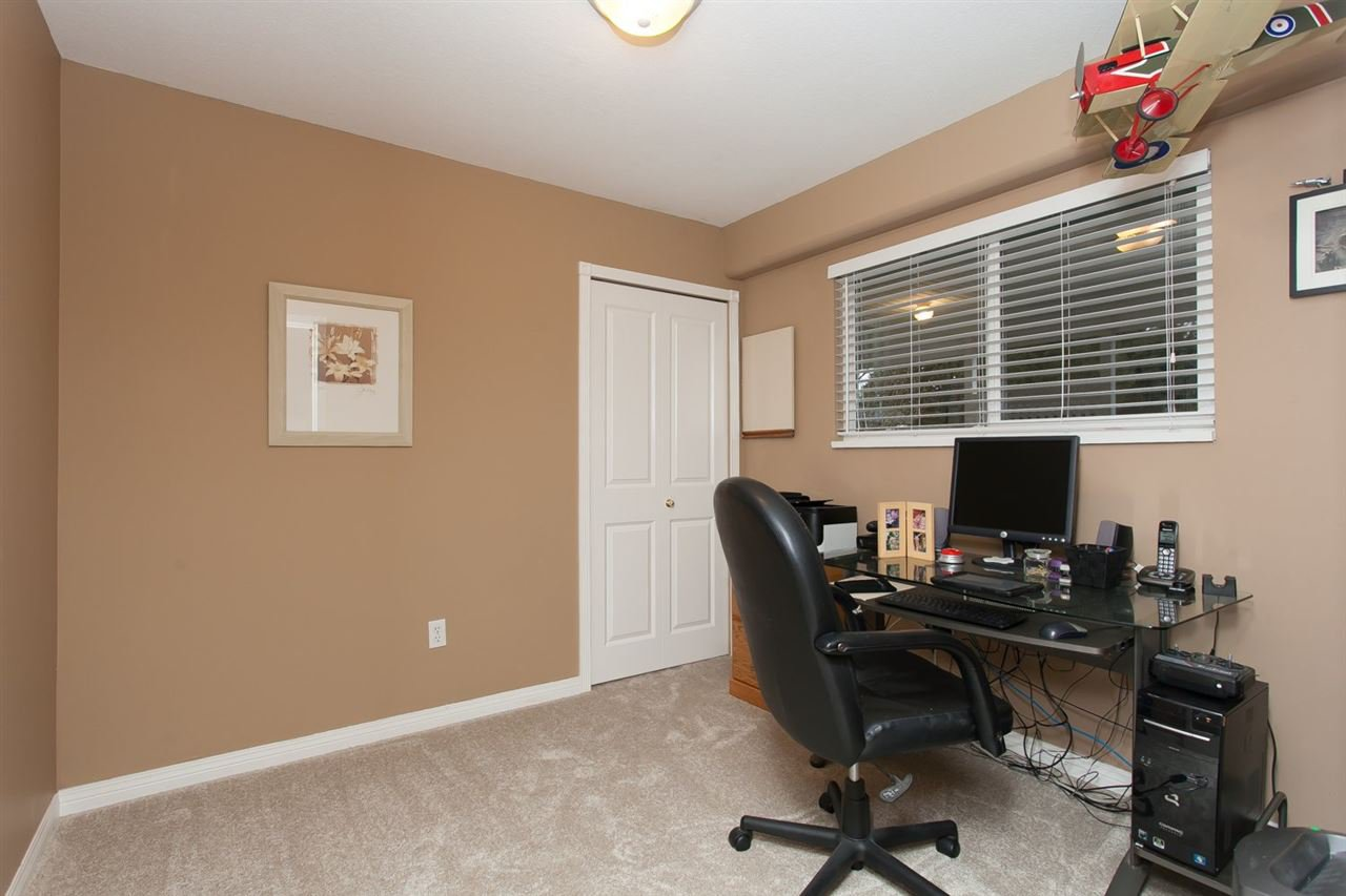 """Photo 18: Photos: 3632 203 Street in Langley: Brookswood Langley House for sale in """"BROOKSWOOD"""" : MLS®# R2042256"""