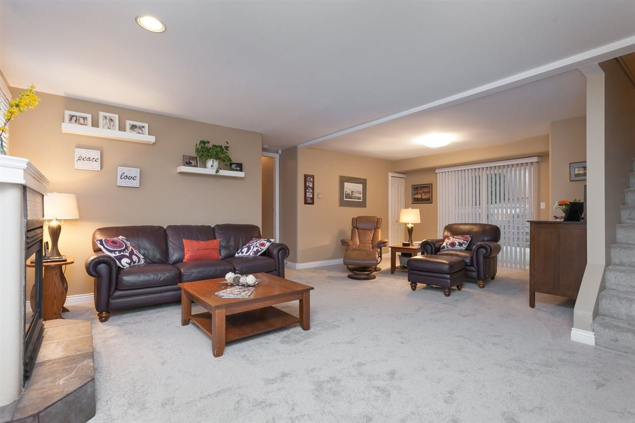 """Photo 10: Photos: 3632 203 Street in Langley: Brookswood Langley House for sale in """"BROOKSWOOD"""" : MLS®# R2042256"""