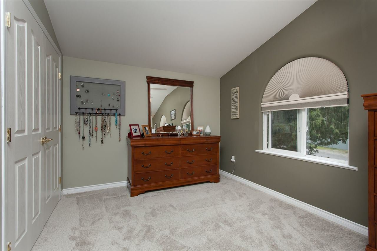 """Photo 14: Photos: 3632 203 Street in Langley: Brookswood Langley House for sale in """"BROOKSWOOD"""" : MLS®# R2042256"""