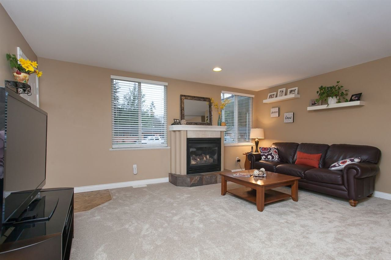 """Photo 12: Photos: 3632 203 Street in Langley: Brookswood Langley House for sale in """"BROOKSWOOD"""" : MLS®# R2042256"""