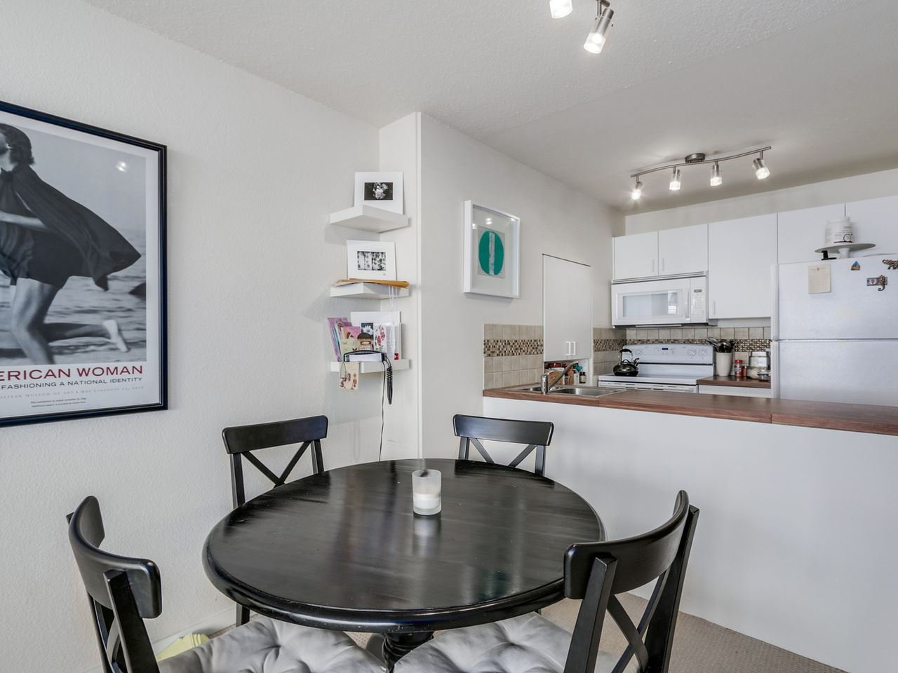"Main Photo: 203 950 DRAKE Street in Vancouver: Downtown VW Condo for sale in ""Anchor Point 2"" (Vancouver West)  : MLS®# R2053290"