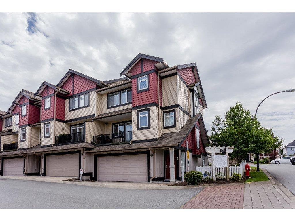 "Main Photo: 37 7168 179 Street in Surrey: Cloverdale BC Townhouse for sale in ""OVATION"" (Cloverdale)  : MLS®# R2081705"