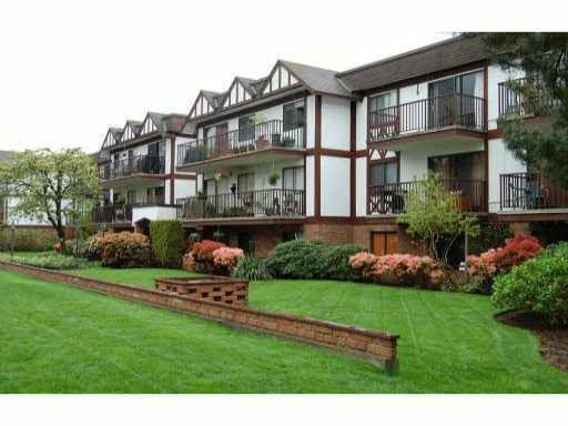 Main Photo: 209 131 W 4TH Street in North Vancouver: Lower Lonsdale Condo for sale : MLS®# R2084523