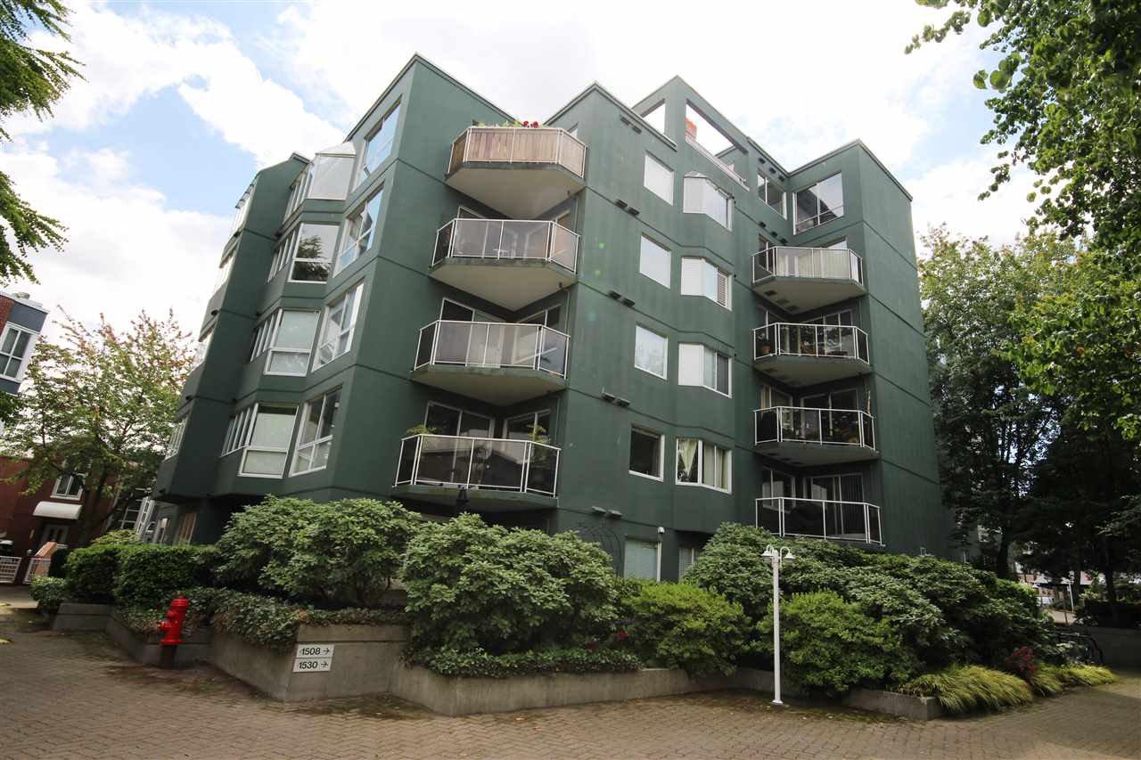 Main Photo: 203 1508 MARINER Walk in Vancouver: False Creek Condo for sale (Vancouver West)  : MLS®# R2118156