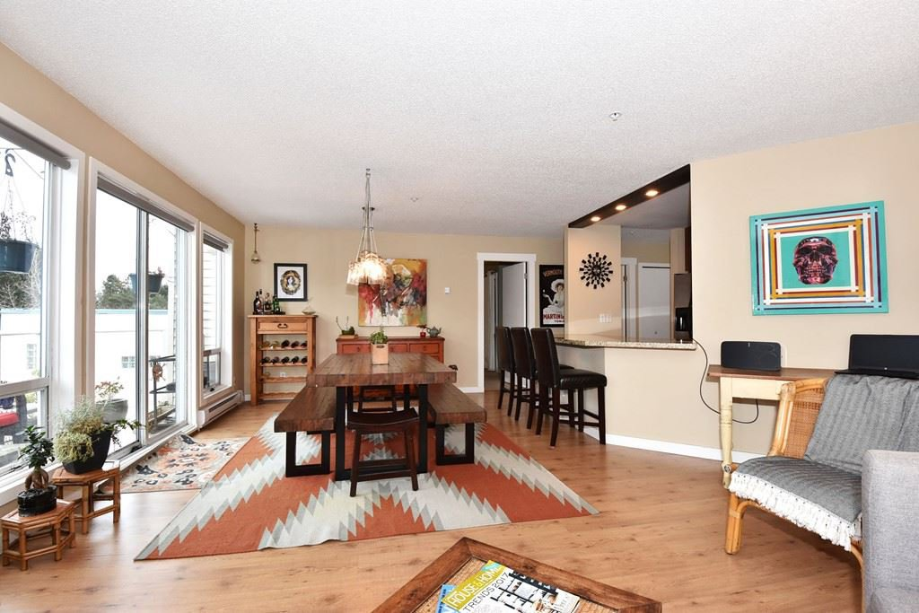 """Main Photo: 302 2288 LAUREL Street in Vancouver: Fairview VW Townhouse for sale in """"PARKVIEW TERRACE"""" (Vancouver West)  : MLS®# R2129884"""