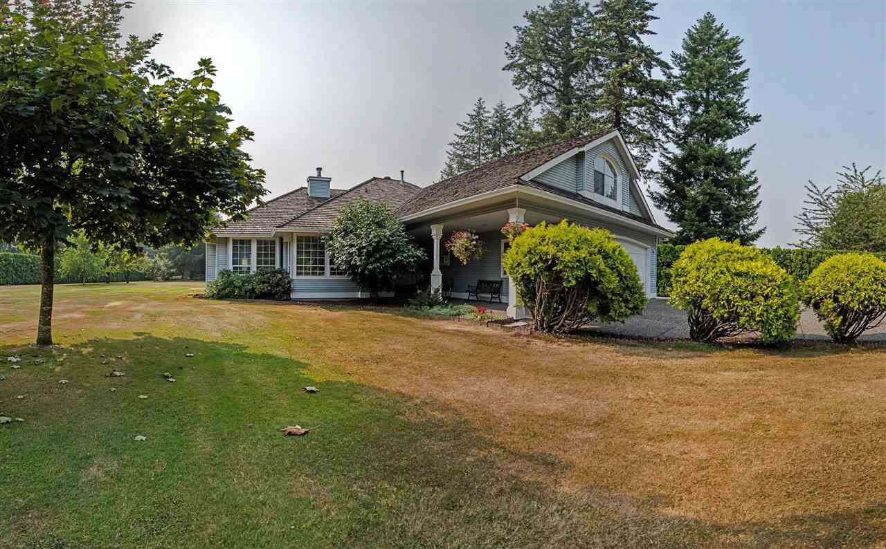 Main Photo: 5615 252 Street in Langley: Salmon River House for sale : MLS®# R2195725