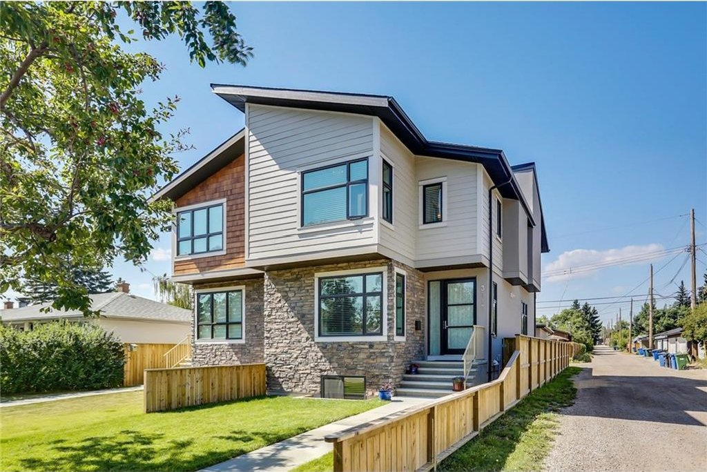 Main Photo: 3713 43 Street SW in Calgary: Glenbrook House for sale : MLS®# C4134793