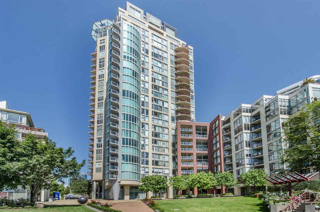 Main Photo: 709 990 BEACH AVENUE in Vancouver: Yaletown Condo for sale (Vancouver West)  : MLS®# R2187799