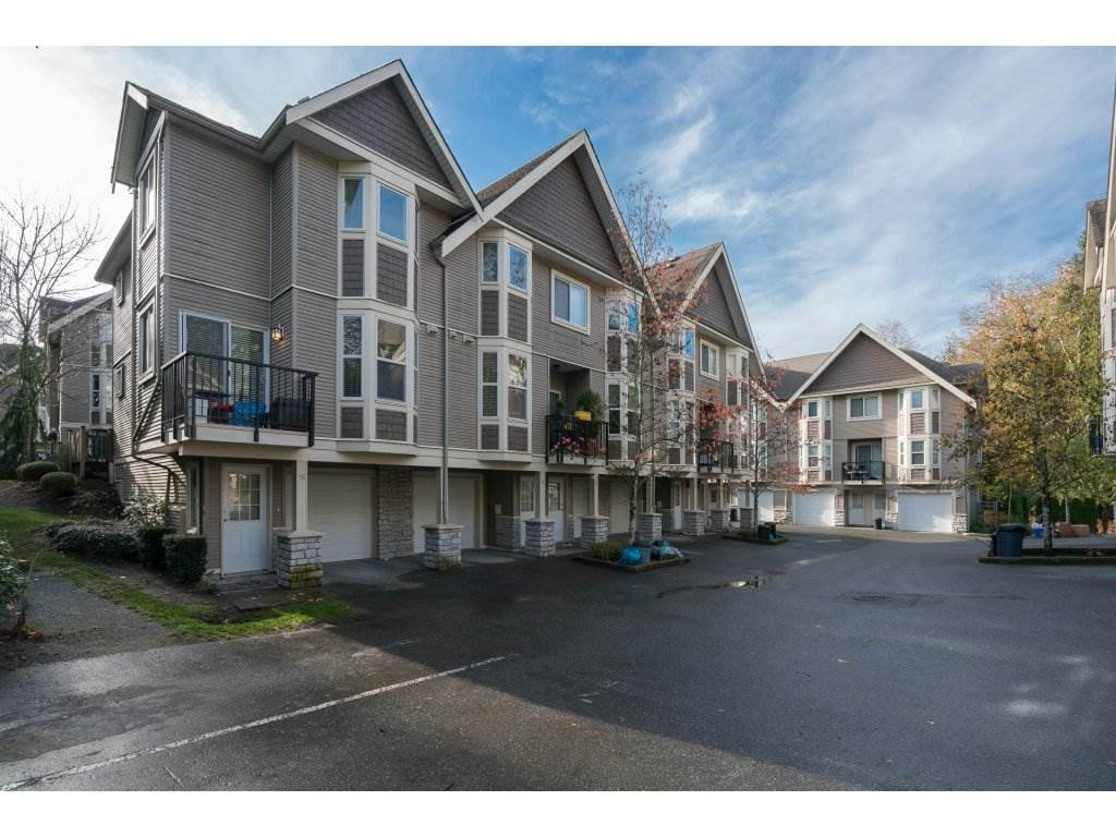 """Main Photo: 16 33321 GEORGE FERGUSON Way in Abbotsford: Central Abbotsford Townhouse for sale in """"CEDAR LANE"""" : MLS®# R2222167"""