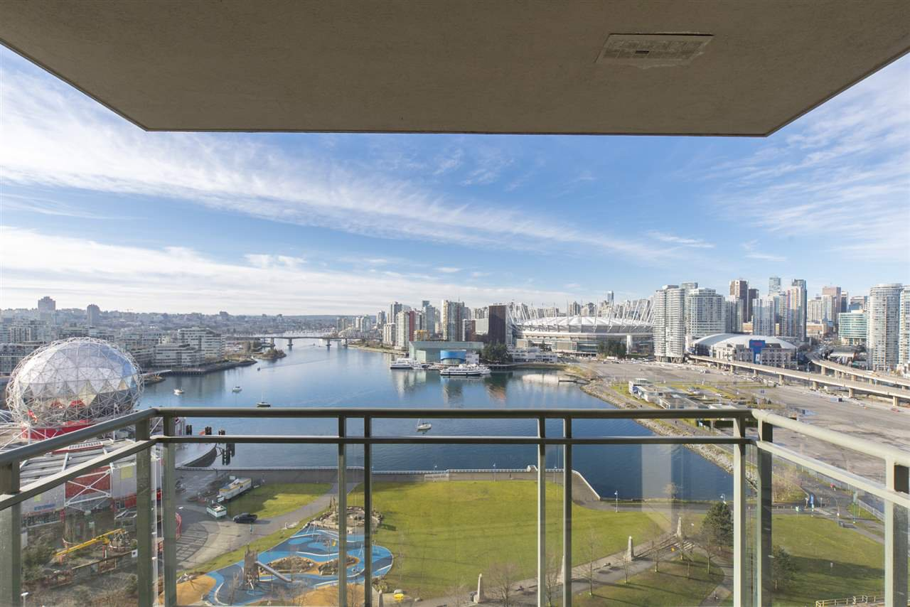 "Photo 3: Photos: 1905 1128 QUEBEC Street in Vancouver: Mount Pleasant VE Condo for sale in ""THE NATIONAL"" (Vancouver East)  : MLS®# R2232561"