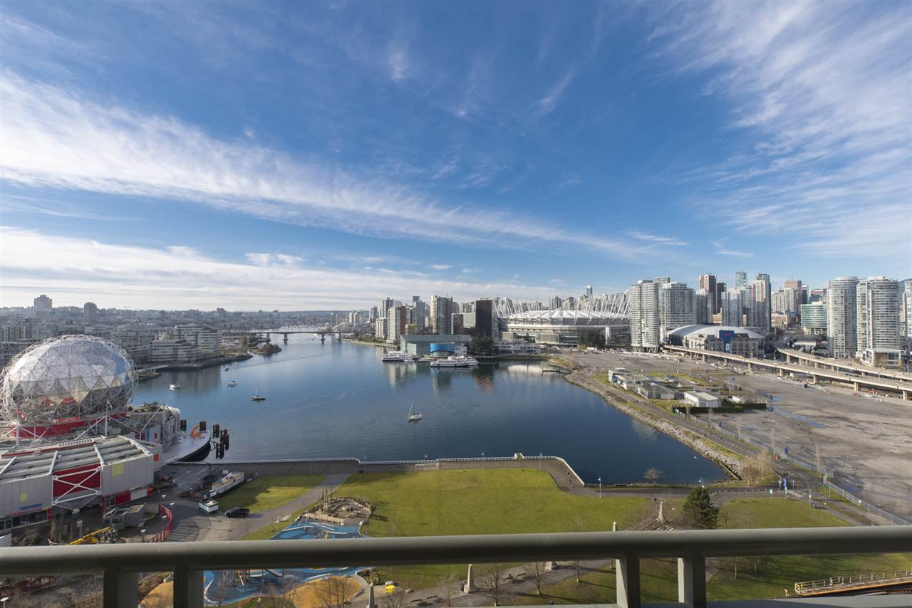 "Photo 5: Photos: 1905 1128 QUEBEC Street in Vancouver: Mount Pleasant VE Condo for sale in ""THE NATIONAL"" (Vancouver East)  : MLS®# R2232561"