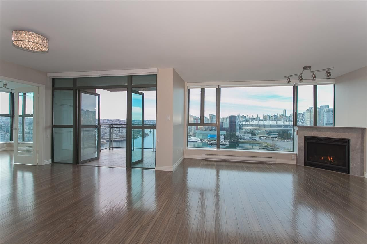 "Photo 16: Photos: 1905 1128 QUEBEC Street in Vancouver: Mount Pleasant VE Condo for sale in ""THE NATIONAL"" (Vancouver East)  : MLS®# R2232561"