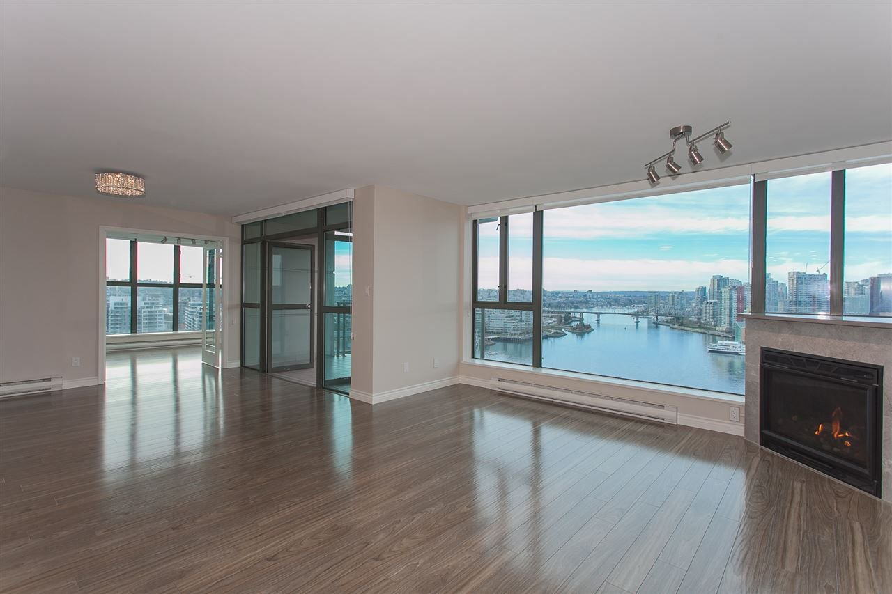 "Photo 15: Photos: 1905 1128 QUEBEC Street in Vancouver: Mount Pleasant VE Condo for sale in ""THE NATIONAL"" (Vancouver East)  : MLS®# R2232561"