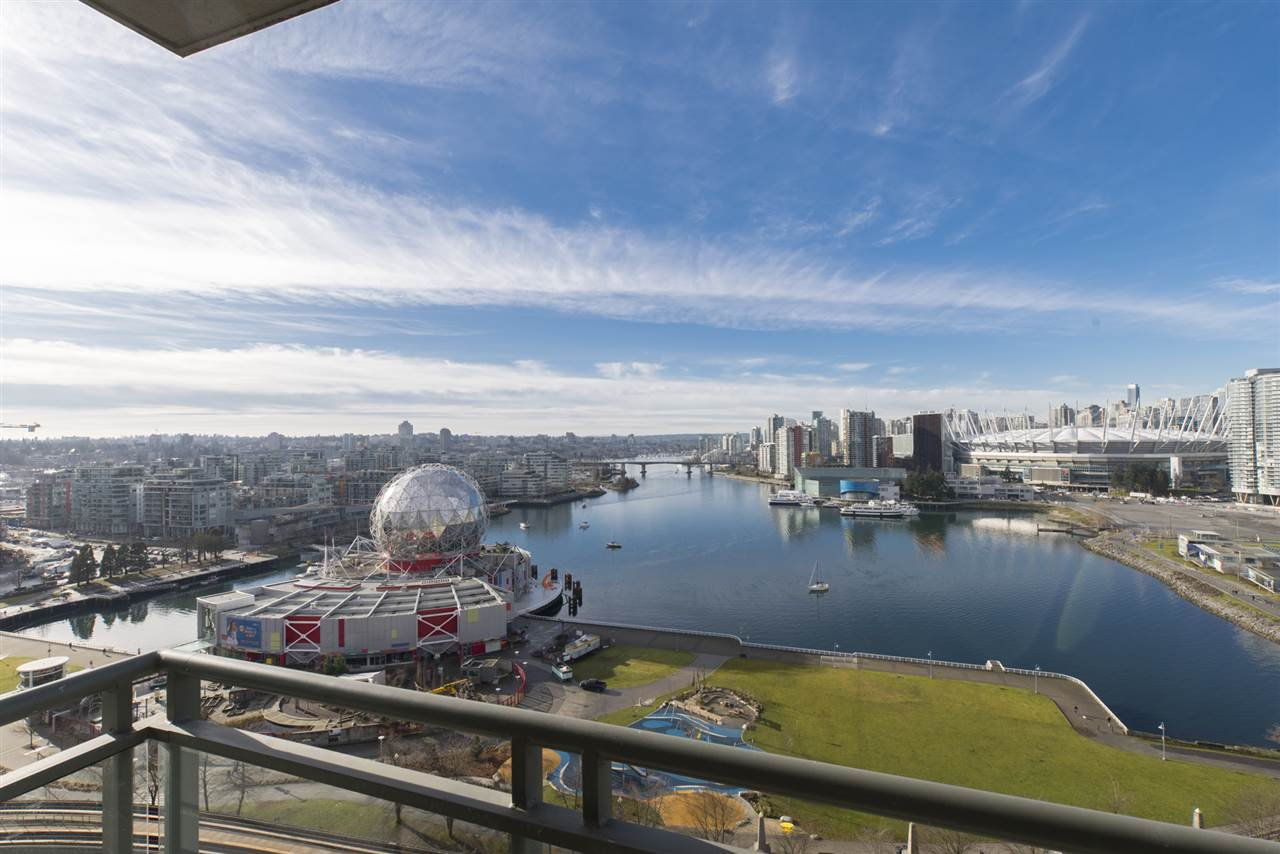 "Photo 1: Photos: 1905 1128 QUEBEC Street in Vancouver: Mount Pleasant VE Condo for sale in ""THE NATIONAL"" (Vancouver East)  : MLS®# R2232561"