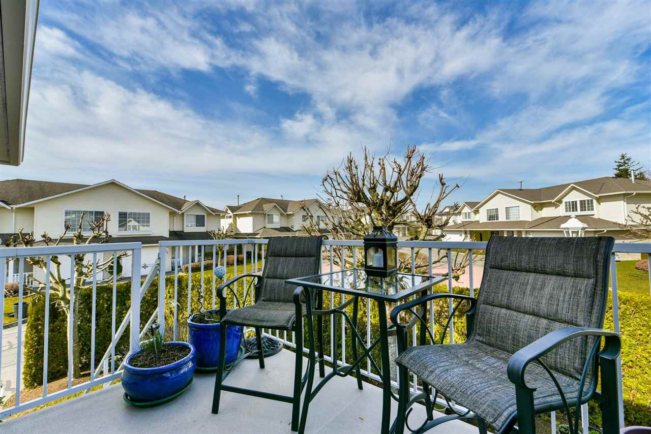 """Photo 10: Photos: 28 31255 UPPER MACLURE Road in Abbotsford: Abbotsford West Townhouse for sale in """"Country Lane"""" : MLS®# R2246805"""