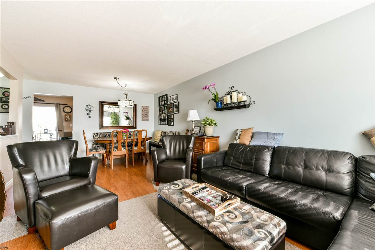 """Photo 9: Photos: 28 31255 UPPER MACLURE Road in Abbotsford: Abbotsford West Townhouse for sale in """"Country Lane"""" : MLS®# R2246805"""