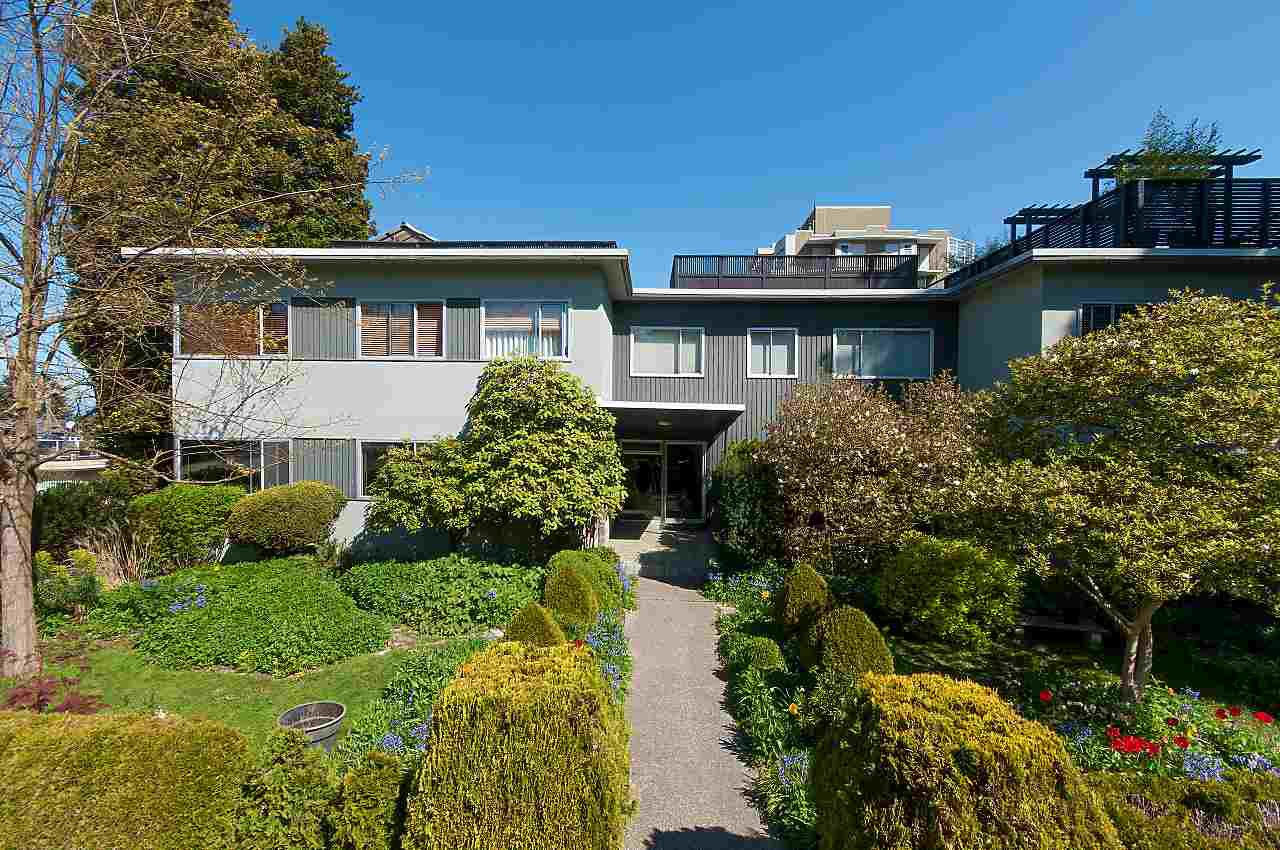 Main Photo: 202 2493 W 1ST Avenue in Vancouver: Kitsilano Condo for sale (Vancouver West)  : MLS®# R2263394