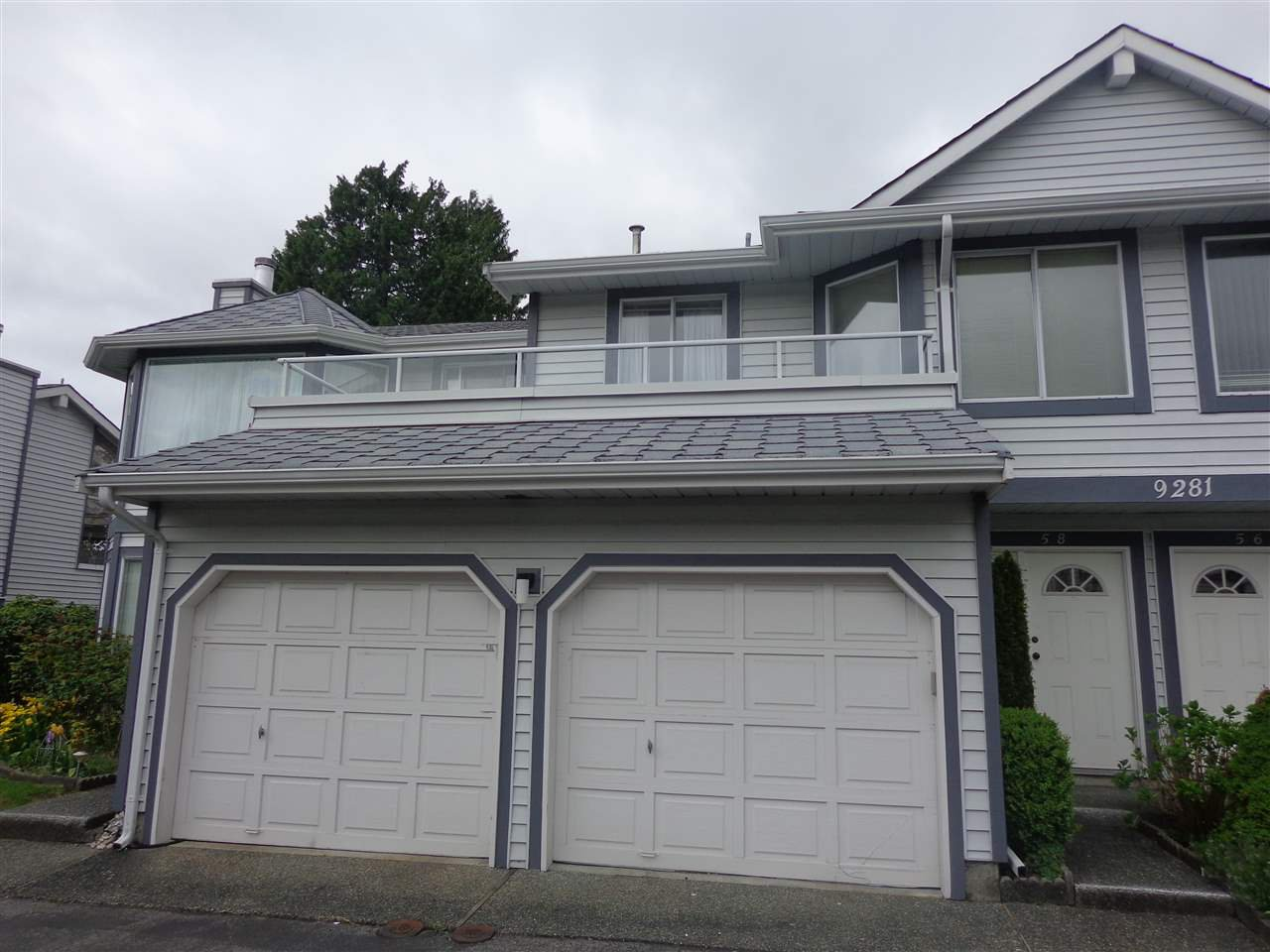 """Main Photo: 58 9281 122ND Street in Surrey: Queen Mary Park Surrey Townhouse for sale in """"KENSINGTON GATE"""" : MLS®# R2265223"""