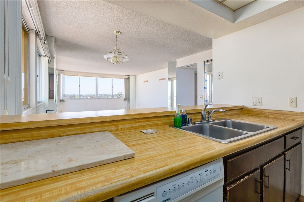 Photo 10: Photos: HILLCREST Condo for sale : 2 bedrooms : 3635 7th #13D in San Diego