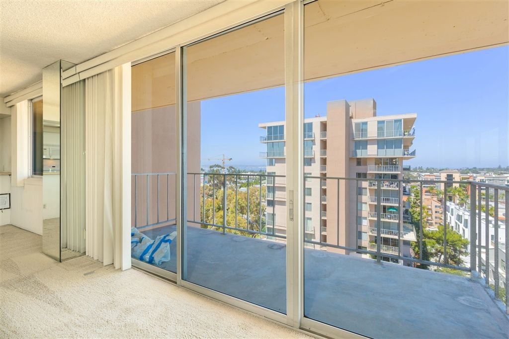 Photo 3: Photos: HILLCREST Condo for sale : 2 bedrooms : 3635 7th #13D in San Diego