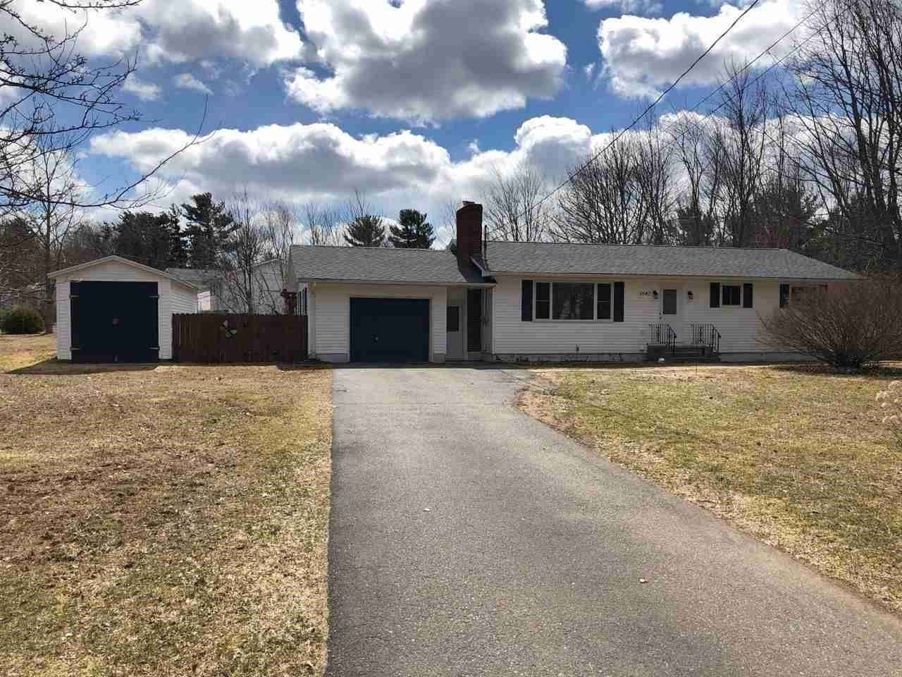 Main Photo: 2642 Pinecrest Drive in Coldbrook: 404-Kings County Residential for sale (Annapolis Valley)  : MLS®# 201827930