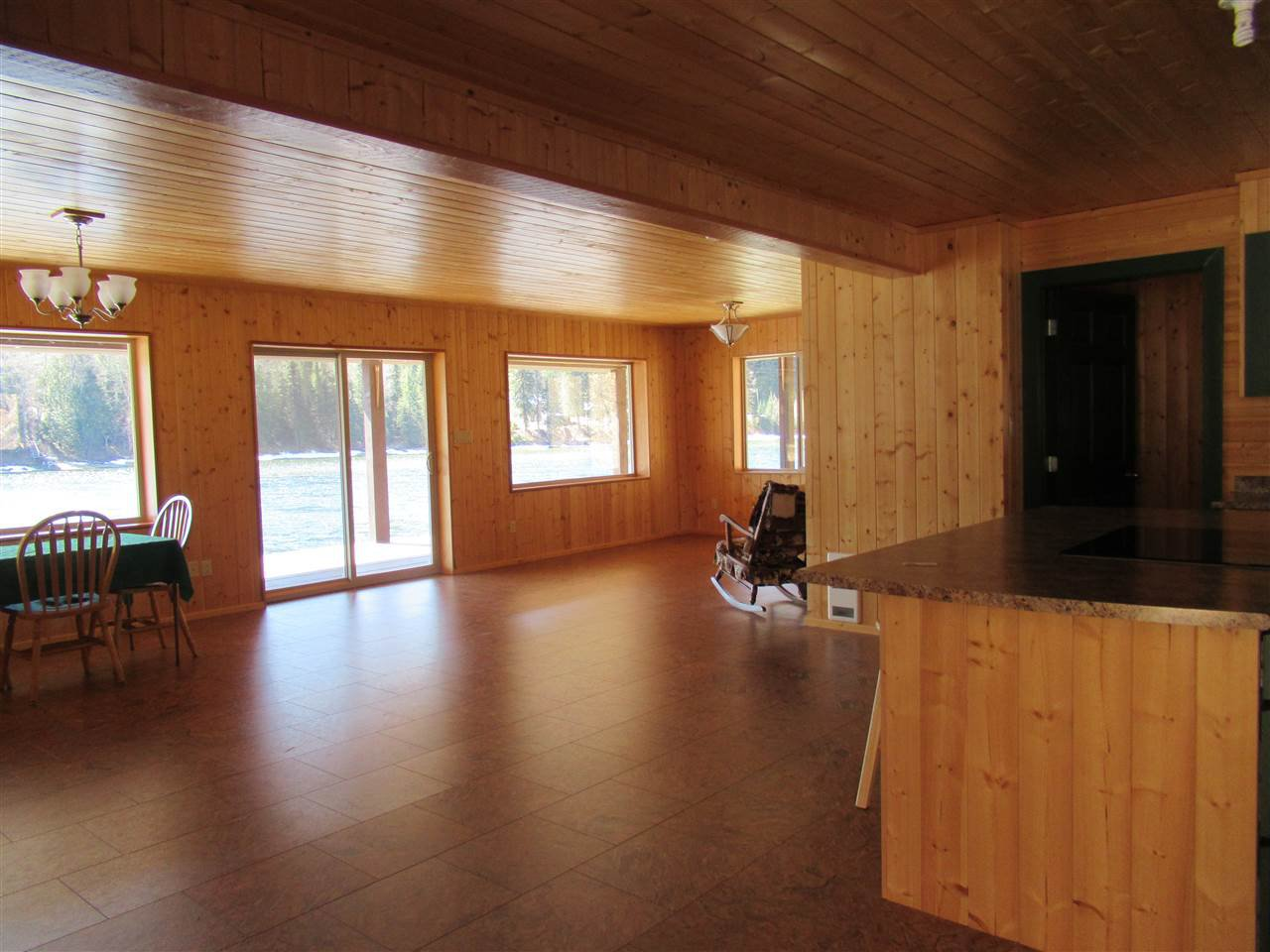 Photo 15: Photos: 6278 KNIGHT Road: Likely House for sale (Williams Lake (Zone 27))  : MLS®# R2361221