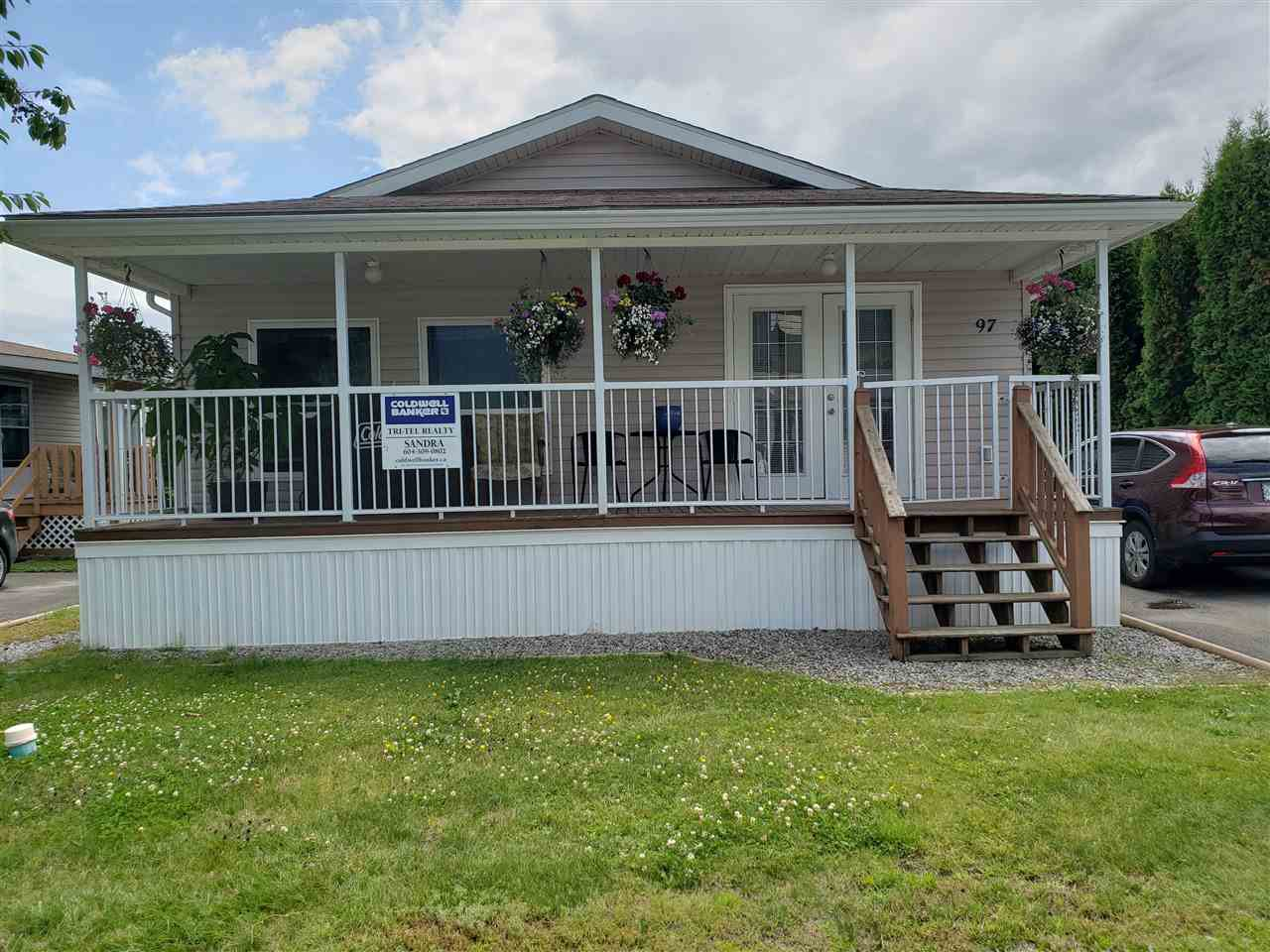 """Main Photo: 97 41168 LOUGHEED Highway in Mission: Dewdney Deroche Manufactured Home for sale in """"Oasis Mobile Home Park"""" : MLS®# R2386553"""