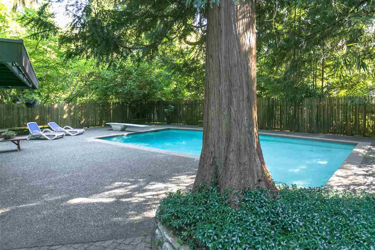 Photo 32: Photos: 591 SHANNON Crescent in North Vancouver: Delbrook House for sale : MLS®# R2487515