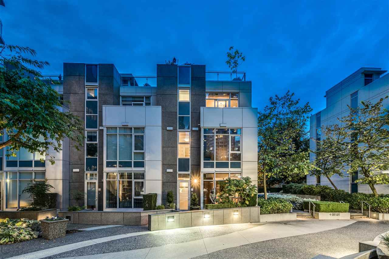 "Main Photo: TH18 1281 W CORDOVA Street in Vancouver: Coal Harbour Townhouse for sale in ""CALISTO"" (Vancouver West)  : MLS®# R2525438"