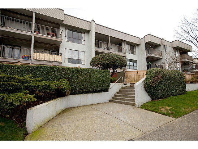 Main Photo: 105 808 E 8TH Avenue in Vancouver: Mount Pleasant VE Condo for sale (Vancouver East)  : MLS®# V991438