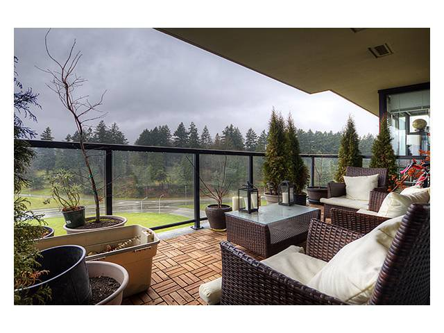 Main Photo: 1402 11 E ROYAL Avenue in New Westminster: Fraserview NW Condo for sale : MLS®# V988042