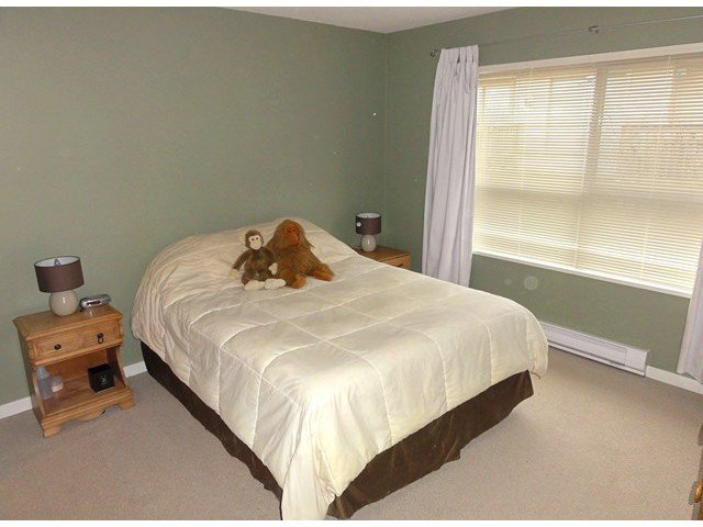 """Photo 11: Photos: 49 20350 68TH Avenue in Langley: Willoughby Heights Townhouse for sale in """"SUNRIDGE"""" : MLS®# F1404791"""