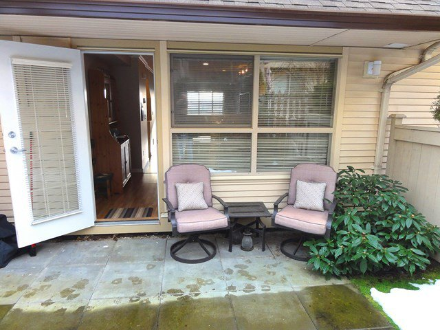 """Photo 9: Photos: 49 20350 68TH Avenue in Langley: Willoughby Heights Townhouse for sale in """"SUNRIDGE"""" : MLS®# F1404791"""