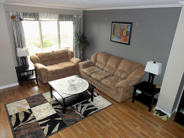 """Photo 3: Photos: 49 20350 68TH Avenue in Langley: Willoughby Heights Townhouse for sale in """"SUNRIDGE"""" : MLS®# F1404791"""