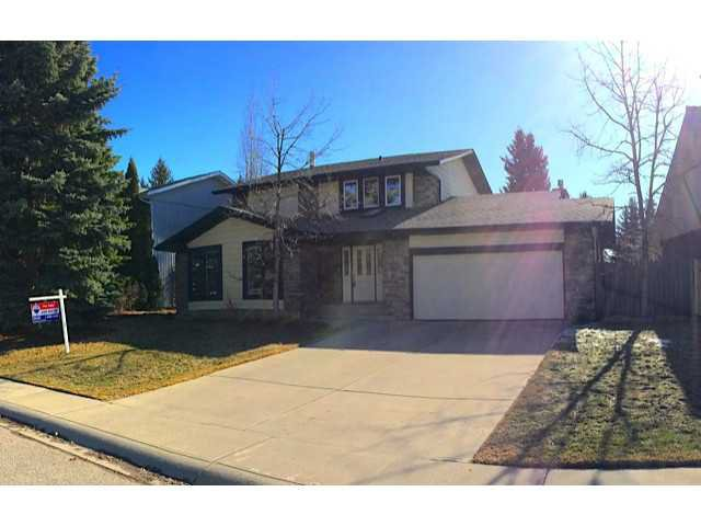 Main Photo: 136 LAKE MEAD Crescent SE in CALGARY: Lk Bonavista Estates Residential Detached Single Family for sale (Calgary)  : MLS®# C3608866