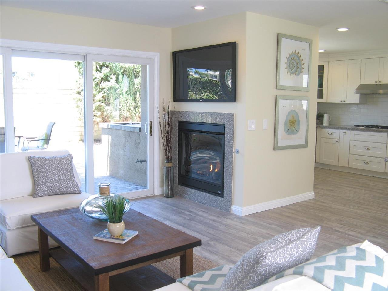 Photo 5: Photos: CORONADO CAYS House for sale : 3 bedrooms : 76 Half Moon Bend
