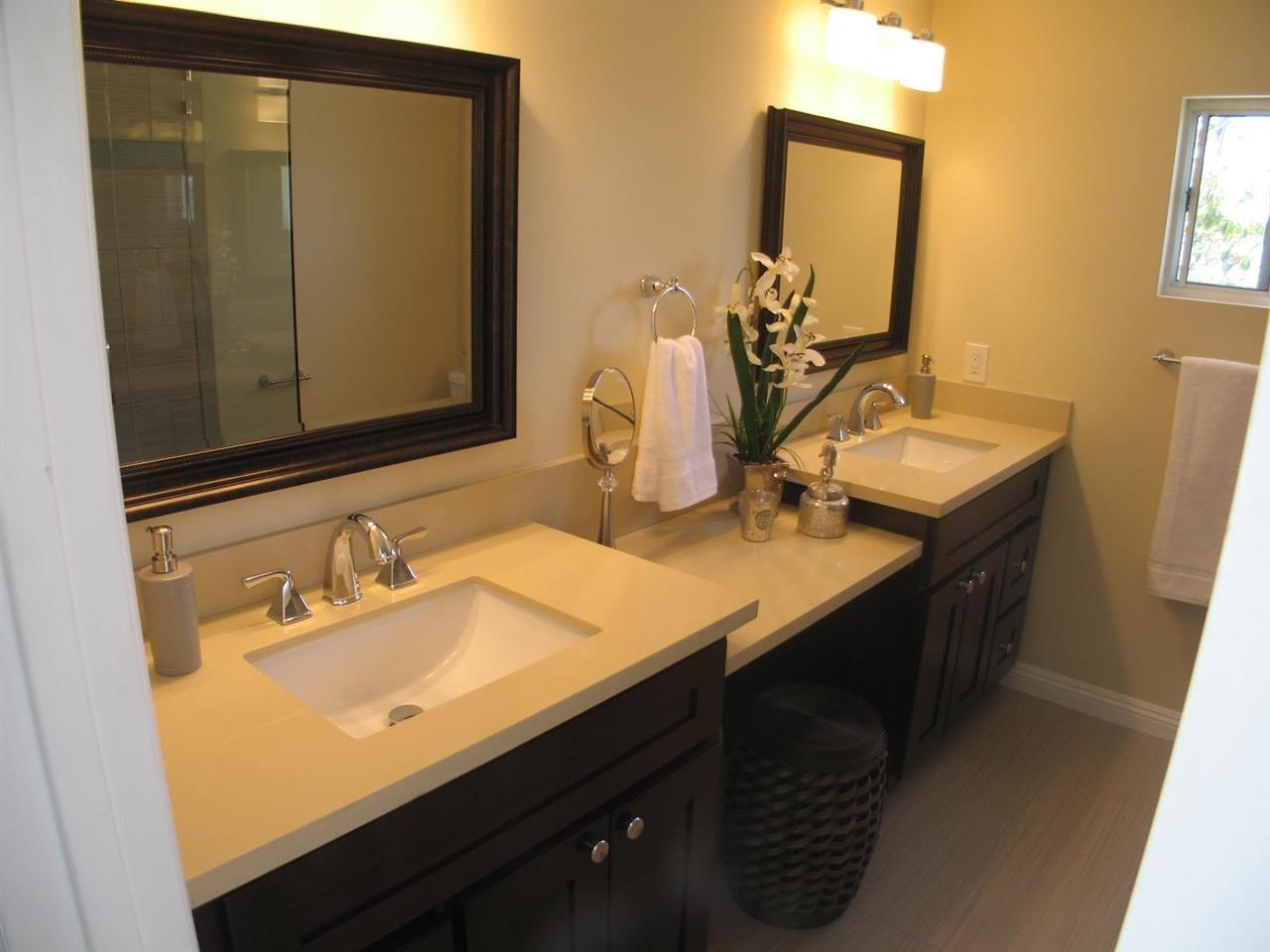 Photo 18: Photos: CORONADO CAYS House for sale : 3 bedrooms : 76 Half Moon Bend