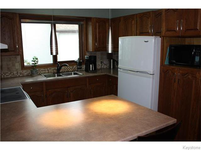 Photo 5: Photos: 6 Saul Miller Drive in WINNIPEG: West Kildonan / Garden City Residential for sale (North West Winnipeg)  : MLS®# 1520095