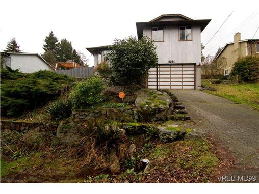 Main Photo: 3251 Jacklin Rd in VICTORIA: Co Triangle Single Family Detached for sale (Colwood)  : MLS®# 720346