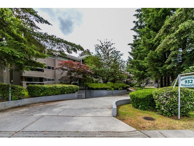 "Main Photo: 214 932 ROBINSON Street in Coquitlam: Coquitlam West Condo for sale in ""THE SHAUGHNESSY"" : MLS®# R2073443"