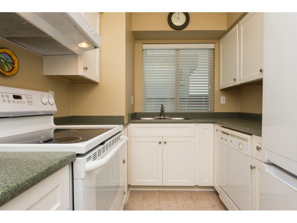 "Photo 12: Photos: 204 1449 MERKLIN Street: White Rock Condo for sale in ""Brendann Place"" (South Surrey White Rock)  : MLS®# R2118649"